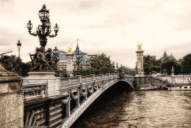 Bild mit Architektur, Brücken, Sehenswürdigkeit, romantik, Brücke, City, Sehenswürdigkeiten, Paris, Straße, Stadtleben, Grossstadt, Pariser, Pont alexandre Paris, Prachtbrücken, seine, fluss seine