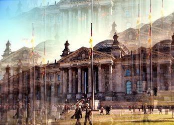 Bild mit Architektur, Gebäude, Wahrzeichen, Städte, Häuser, Berlin, Haus, Sehenswürdigkeit, Stadt, BERLINFEELING, City, Brandenburger Tor, Tourismus, reichstag, berliner