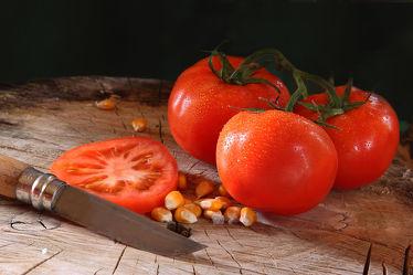 Tomaten und Mais