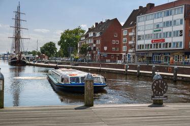 Bild mit Flüsse, Architektur, Gebäude, Städte, Häuser, Hafenstadt, Haus, Stadt, Dörfer und Städte in Norddeutschland, Fluss, dorf