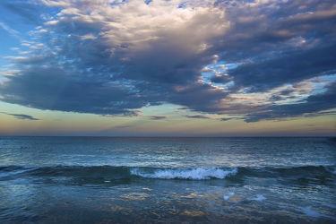 Bild mit Natur,Wasser,Wolken,Gewässer,Meere,Strände,Sonnenuntergang,Urlaub,Sonnenaufgang,Schiffe,Strand,Meerblick,Ostsee,Mittelmeer,Reisen,Strand & Meer,Abend am Meer,Reise,Wolke,Argentinien