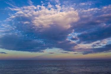 Bild mit Natur,Wasser,Wolken,Gewässer,Meere,Strände,Sonnenuntergang,Urlaub,Sonnenaufgang,Schiffe,Strand,Meerblick,Ostsee,Reisen,Am Meer,Strand & Meer,Abend am Meer,Reise,Wolke,Argentinien