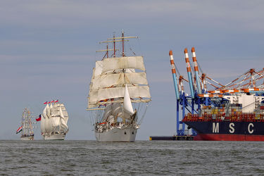 Einlaufen beim Sail IN in Bremerhaven 2015