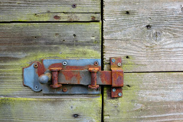 Bild mit Holz, Gebäude, Eisen, Rost, Extras, detail, Leben, tor, tür, Kurioses, Stahl, Eisenoxyd, Riegel