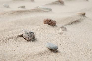 Bild mit Gelb,Strände,Strand,Sandstrand,Steine,Steine,Makro,Strand / Meer,nahaufnahme,Kiesel,Abtragung,Verwehungen,Sandfarbe,Mineralien