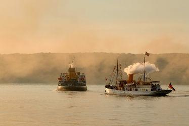 Bild mit Fjorde,Ostsee,Schiffe und Meer,Dampferparade,Dampf,Dampfschiffe