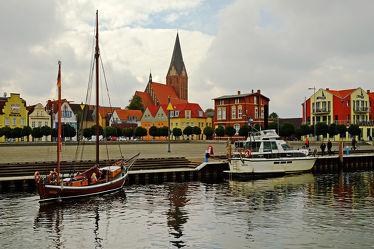 Bild mit Städte, Häfen, Häfen, Ostsee, Boote, Stadt, Stadt, Küste, Zingst