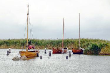 Bild mit Wasser, Herbst, Segelboote, Meerblick, Ostsee, Meer, Boote, reet, Darß, Liegeplatz