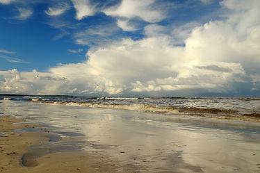 Bild mit Himmel, Wolken, Wellen, Sand, Urlaub, Sonne, Strand, Ostsee, Meer, Sonnenschein, See, Küste, Reisen, Spiegelungen, Strand / Meer, Abend, Geniessen, Ostseeküste, Stimmung