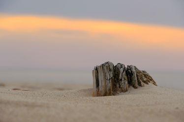 Bild mit Himmel, Holz, Sand, Sonnenuntergang, Strand, Abend, Idylle, Abendstimmung, Dezent, Schutz, Blaue, Stunde