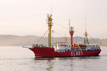 Bild mit Sonnenuntergang, Feuerschiff, Elbe, Abendstimmung, Rückkehr, Feuerschiffe