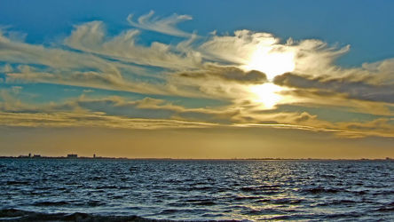 Bild mit Himmel, Wolken, Wellen, Sonne, Meer, Abend, Emden, Ostfriesland, Idylle, Abendidylle, Knock