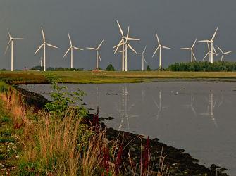 Bild mit Himmel, Wolken, Herbst, Blau, Sonne, Emden, Ostfriesland, Dollart, Ems, Deiche, Seedeich, Knock, Windpark