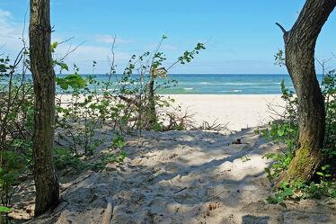 Bild mit Urlaub, Strand, Ostsee, Weg, Sonnenschein, Reisen, Erholung, Ausspannen, Polen, Badestrand, Bernsteinküste, Vergnügen