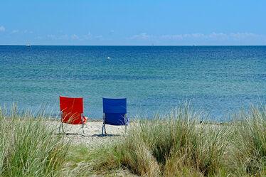 Bild mit Himmel, Schiffe, Strand, Segelboot, Ostsee, Meer, Dünen, Ausspannen, Stühle, Ostseeidylle
