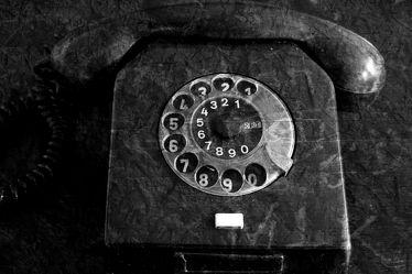 Bild mit Fotografie, schwarz weiß, dekorativ, zeitlos, ddr, telefon, telefon, Telefontasten, Telefonwählscheibe, Telefonhörer, Nostalgietelefon