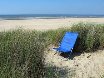 Bild mit Sand, Strand, Sandstrand, Meerblick, Ostsee, Meer, Düne, Dünen, Stillleben, stuhl