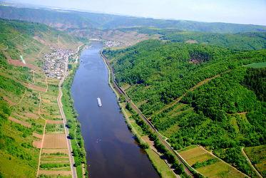 Bild mit Natur,Wasser,Landschaften,Gewässer,Flüsse,Landschaft,Wiese,Feld,Felder,Wiesen,Fluss,Mosel