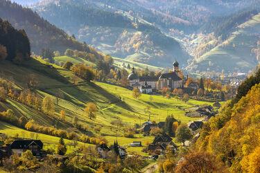 Bild mit Natur, Berge und Hügel, Herbst, Landschaft, Felder & Wiesen, dorf, Baden, tal, schwarzwald, Wuerttemberg, Gemeinde, Münstertal