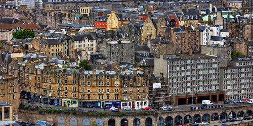 Bild mit Architektur, Häuser, historische Altstadt, urban, Stadtansichten, Schottland, Hauptstadt, Edinburgh, schottisch