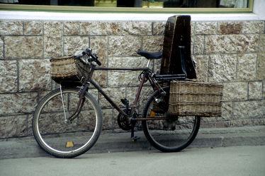 Fahrrad mit Instrumentenkoffer