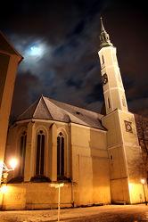 Kirche im Nachtgewand