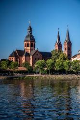 Einhard-Basilika am Main