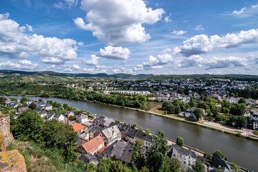 Bild mit Himmel, Wolken, Sommer, Häuser, Sonne, Landschaft, Fluss, Aussichtspunkt, Saarburg, Saar