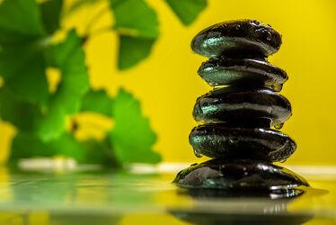 Bild mit Wasser, Steine, Ruhe, Entspannung, Wellness, Spa, Stille, ginkgo, Besinnung, Kontemplation