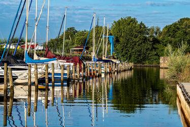 Sommeridylle im Yachthafen
