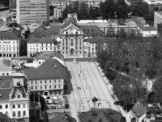 Bild mit Architektur, Stadt, schwarz & weiss, Architektur in Schwarzweiß, Staedte und Architektur, ausblick, aussicht, Aussichtspunkt