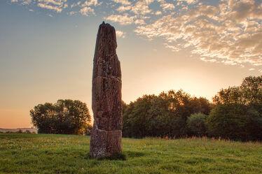 Bild mit Stein, Sonnenaufgang, Wolkenhimmel, Saarland, Gollenstein