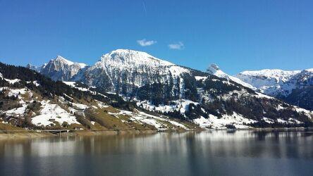 Bild mit Berge, Himmel, Schnee, Seen, Stauseen, Schnee in den Bergen