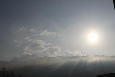 Bild mit Nebel, Sonnenschein