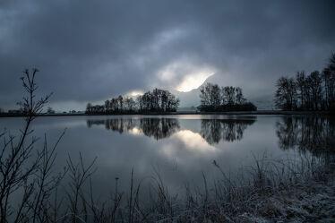 Bild mit Nebel, Sonnen Himmel, Teich, Nebelauflösung, Nebelschwaden