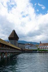 Bild mit Landscape & City, City, Schweiz, Luzern, Kappelbrücke, Wasserturm