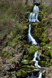 Bild mit Gewässer, Wasserfälle, Wasserfall, Gewässer im Wald, in den Bergen, water, Watersplash