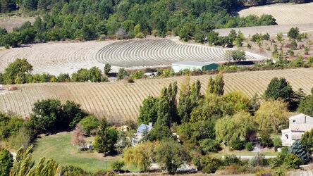 Bild mit Bäume, Herbst, Bauernhöfe, Frankreich, Panorama, Blick, Felder, dorf, Lavendelfeld