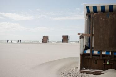 Bild mit Natur, Wasser, Strand, Sandstrand, Strandkörbe, Ostsee, Meer, Strandkorb, Am Meer
