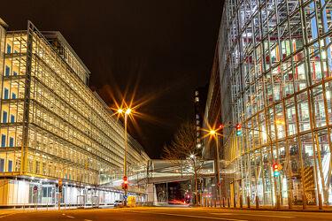 Bild mit Langzeitbelichtung, Büro, Nachtaufnahme, Bürogebäude, Düsseldorf, Medienhafen