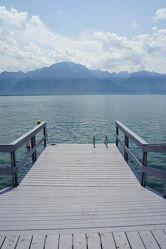 Bild mit Wasser, Berge, Himmel, Wolken, Steg, Seeblick, See, Seelandschaft, Seepanorama, Pier