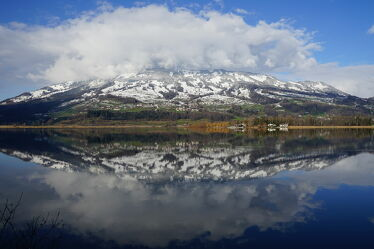 Bild mit Natur, Berge, Himmel, Schnee, Wolken, Seeblick, See, Seelandschaft, Spiegelung, Landschaftspanorama