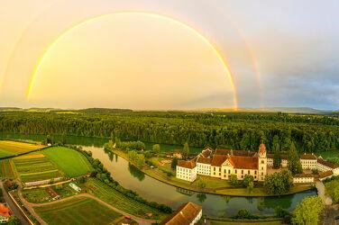 Kloster Rheinau mit Regenbogen