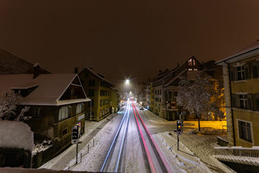 Lichtspuren im Schnee