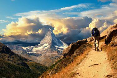 Bild mit Natur, Landschaft, Sehenswürdigkeit, Reisen, in den Bergen, Wandern, Schweiz, Matterhorn, Zermatt