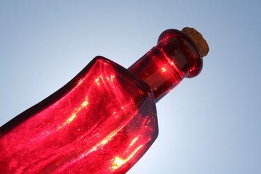 Bild mit Farben,Gegenstände,Lebensmittel,Rot,Materialien,Glas,Trinken,Flaschen