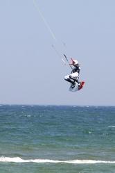 Bild mit Gegenstände, Natur, Landschaften, Gewässer, Brandung, Wellen, Aktivitäten, Sport, Wassersport, Surfen, Windsurfen, Kitesurfen, Wasserskifahren und Wakeboarden, Sportausrüstungen