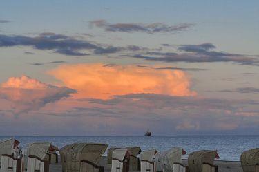 Bild mit Natur, Landschaften, Himmel, Wolken, Gewässer, Küsten und Ufer, Meere, Horizont, Sonnenuntergang, Sonnenaufgang, Dämmerung